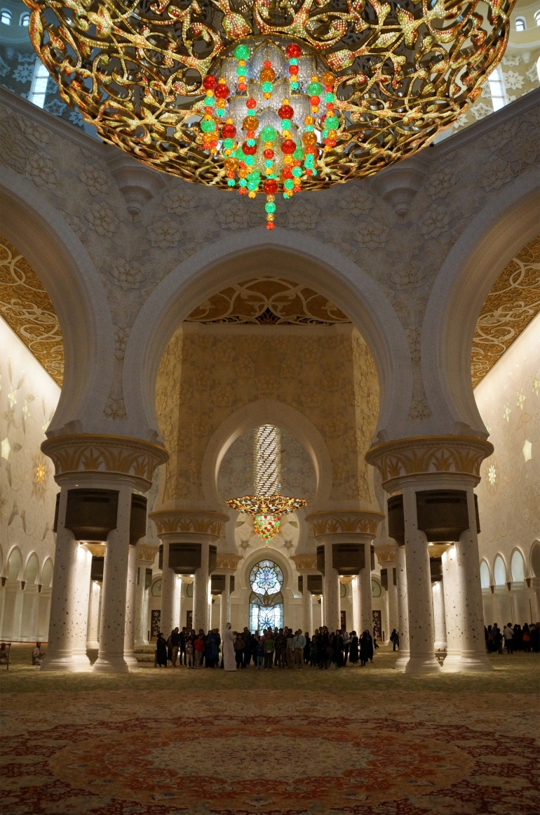 Sheikh Zayed Grand Mosque Interior 1