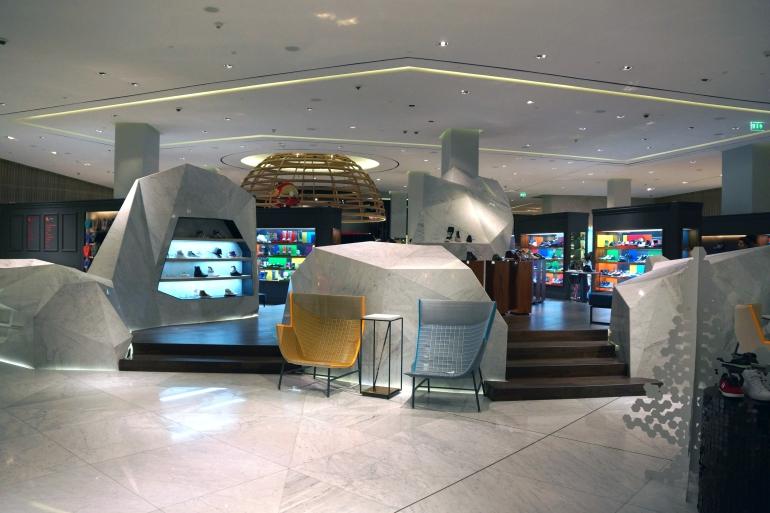 Dubai Mall High Fashion Detail 1