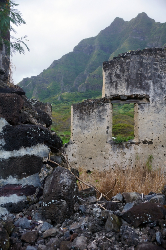 Hawaiian Vacation_Ruins 1