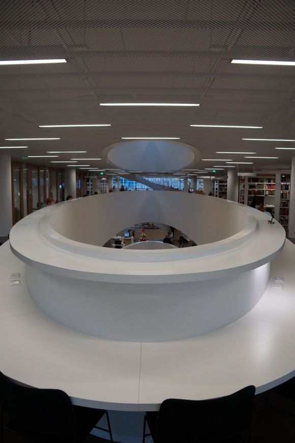 University of Helsinki Library_Desk facing Atrium 2