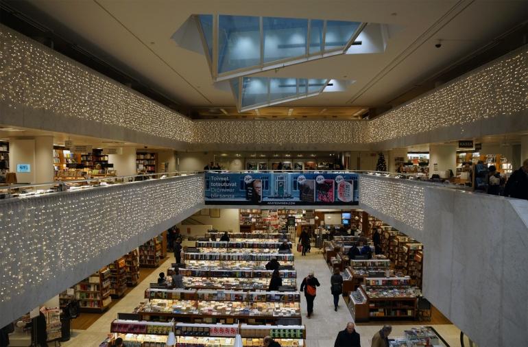 AlvarAalto_Bookstore_Atrium02