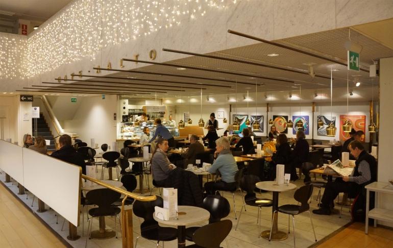 AlvarAalto_Bookstore_Cafe01