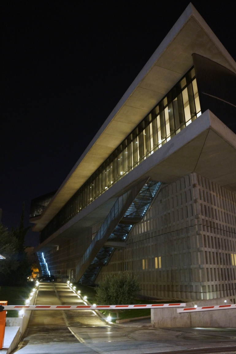 newacropolismuseum_exteriornight_01